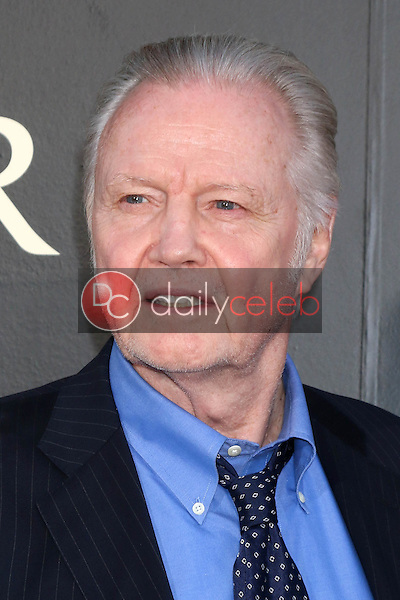 Jon Voight<br /> at the &quot;Ben-Hur&quot; Premiere, TCL Chinese Theater IMAX. Hollywood, CA 08-16-16<br /> David Edwards/DailyCeleb.com 818-249-4998