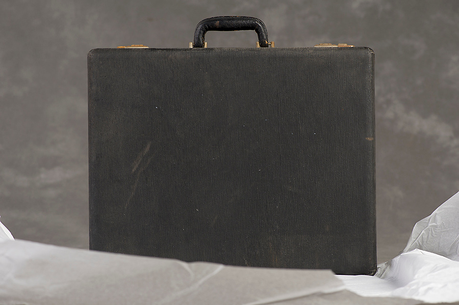 Willard Suitcases / Mildred G / ©2014 Jon Crispin