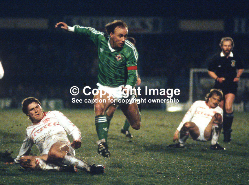 Sammy McIlroy, footballer, Manchester City FC & N Ireland, 19860308SMIb..Copyright Image from Victor Patterson, 54 Dorchester Park, Belfast, UK, BT9 6RJ..Tel: +44 28 9066 1296.Mob: +44 7802 353836.Voicemail +44 20 8816 7153.Skype: victorpattersonbelfast.Email: victorpatterson@me.com.Email: victorpatterson@ireland.com (back-up)..IMPORTANT: If you wish to use this image or any other of my images please go to www.victorpatterson.com and click on the Terms & Conditions. Then contact me by email or phone with the reference number(s) of the image(s) concerned.