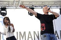 Roma 2 Aprile 2011.Piazza Navona.Manifestazione per la pace e contro la guerra promossa da Emergency .Assalti Frontali
