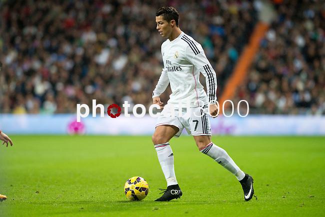 Football match between Real Madrid and Rayo Vallecano at 8th Novembre, 2014 in Stadium Santiago Bernabéu.<br /> Cristiano Ronaldo.
