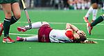 ALMERE - Hockey - Overgangsklasse competitie dames ALMERE- ROTTERDAM (0-0) . blessure voor  Maria Verga (Almere)   COPYRIGHT KOEN SUYK