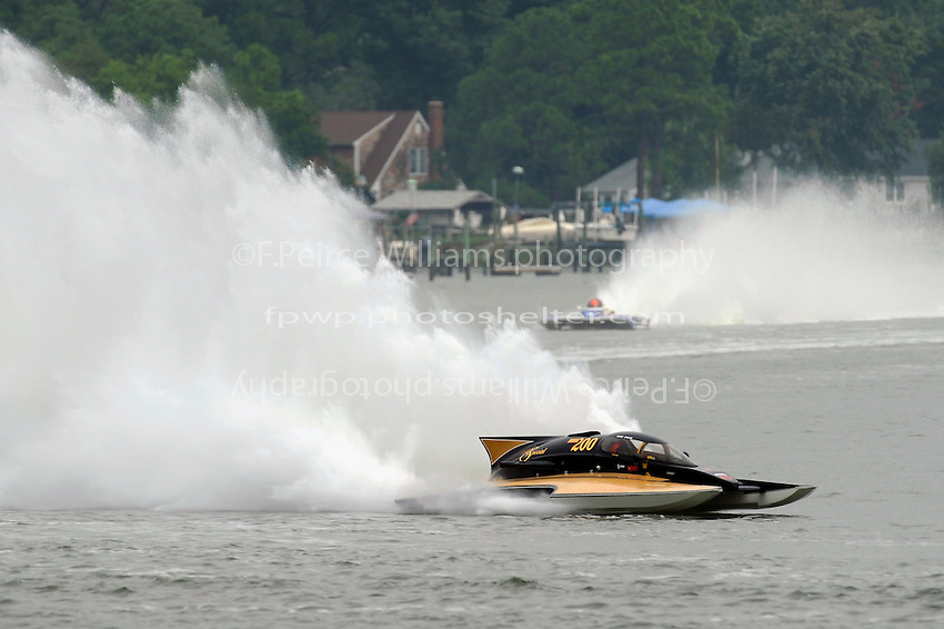 "Chuck Miller, Jr., NM-200 ""Mrjr's Lauterbach Special"" (National Mod hydroplane(s)"