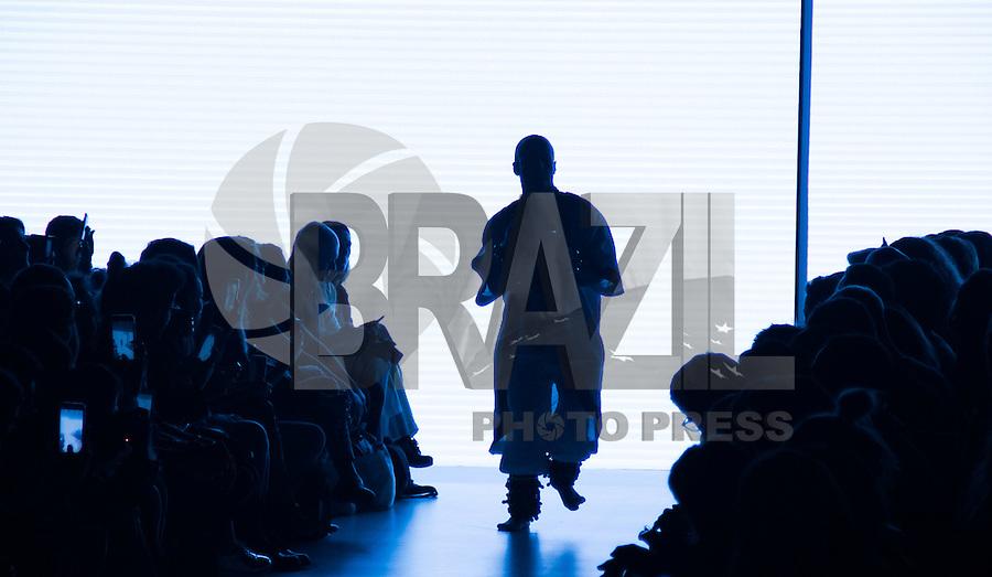 SÃO PAULO,SP, 26.10.2016 - SPFW-HELO ROCHA - Desfile da grife Hello Rocha durante a São Paulo Fashion Week N42 no Parque do Ibirapuera na região sul de São Paulo nesta quinta-feira, 27. (Foto: Fabricio Bomjardim/Brazil Photo Press)