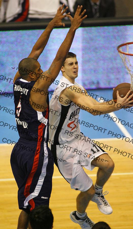 Kosarka, Euroleague, season 2008/09.Partizan Vs. Efes Pilsen (Istanbul).Uros Tripkovic, right and Preston Shumpert.Beograd, 26.11.2008..foto: Srdjan Stevanovic/starsportphoto ©