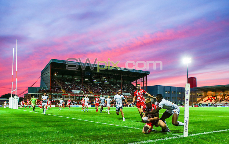 Picture by Alex Whitehead/SWpix.com - 26/06/2014 - Rugby League - First Utility Super League - Hull Kingston Rovers v Huddersfield Giants - KC Lightstream Stadium, Hull, England - Hull KR's Dave Hodgson scores a try.