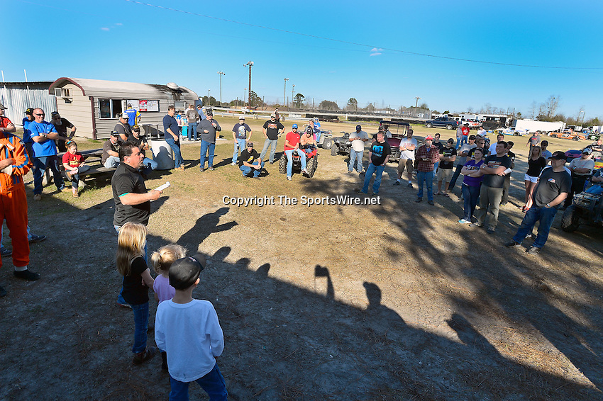 Feb 09, 2014; 4:51:24 PM; Lake City, FL., USA; The UMP Nationals running a $5000-to-win UMP DIRTcar event at North Florida Speedway.  Mandatory Credit: (thesportswire.net)