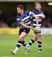 Freddie Burns of Bath Rugby looks to pass the ball. Aviva Premiership match, between Bath Rugby and Worcester Warriors on October 7, 2017 at the Recreation Ground in Bath, England. Photo by: Patrick Khachfe / Onside Images