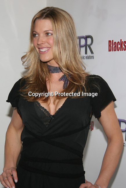 Linda Overheu <br />The Winter LA Celebrity Charity Event to honor Sound Art and Black Sheep<br />Private Residence<br />West Hollywood, CA, USA<br />Sunday, December 05th, 2004<br />Photo By Celebrityvibe.com/Photovibe.com, <br />New York, USA, Phone 212 410 5354, <br />email: sales@celebrityvibe.com