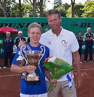 Netherlands, Rotterdam August 08, 2015, Tennis,  National Junior Championships, NJK, TV Victoria, Price giving, winner boys 14 years  Lodewijk Weststrate with Jan Siemerink<br /> Photo: Tennisimages/Henk Koster