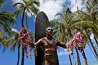 Statue of Duke Kahanamoku on Waikiki Beach, Hawai'i<br /> RIGHTS MANAGED LICENSE AVAILABLE FROM www.PhotoLibrary.com