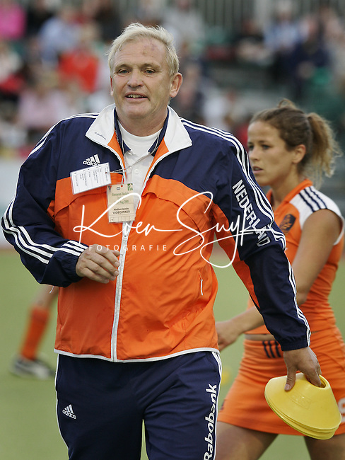 NLD-20050817-DUBLIN- EK HOCKEY dames. Nederland-Ierland. Assistent-bondscoach Rob Bianchi. ANP FOTO/KOEN SUYK