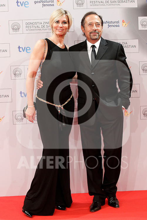 The actor Guillermo Francella (r) and his wife during the photocall before the Donosti Award during the 60th San Sebastian Donostia International Film Festival - Zinemaldia.September 28,2012.(ALTERPHOTOS/ALFAQUI/Acero)