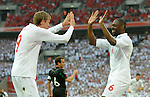 24.05.2010, Wembley Stadium, London, ENG, FIFA Worldcup Vorbereitung, Testspiel England vs Mexiko, im Bild Ledley King celebrates scoring the opening goal with Peter Crouch . EXPA Pictures © 2010, PhotoCredit: EXPA/ IPS/ Marc Atkins