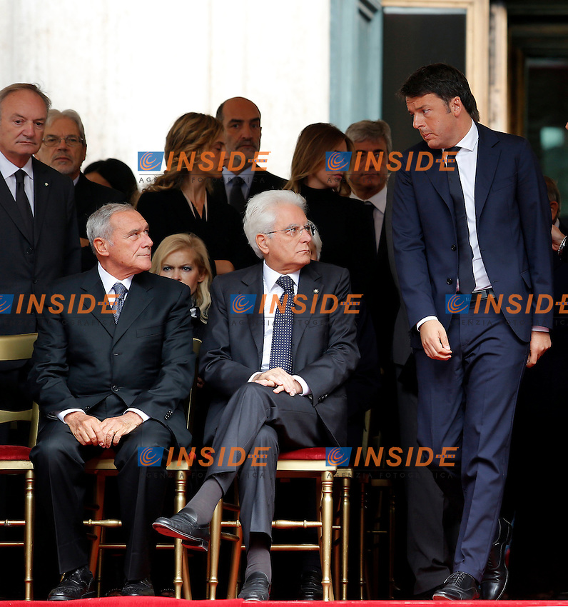 Matteo Renzi, Pietro Grasso e Sergio Mattarella <br /> Roma 30-09-2015 Piazza Montecitorio, funerali di Pietro Ingrao.<br /> Funeral of Pietro Ingrao, leader of the Italian Comunist Party, died at the age of 100<br /> Photo Samantha Zucchi Insidefoto