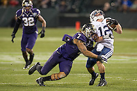SAN FRANCISCO, CA - December 27, 2013: Washington Huskies linebacker Shaq Thompson (7) during the 2013 Kraft Fight Hunger Bowl where the Washington Huskies and the BYU Cougars at AT&T Park in San Francisco, California. Final score Washington Huskies 31, BYU Cougars 16.