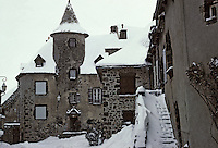 Europe/France/Auvergne/15/Cantal/Salers : La rue de la Martille et la maison Bertranoy