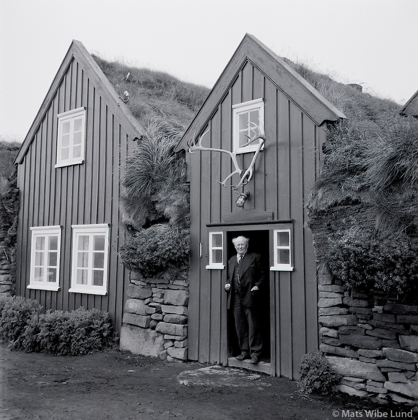 Methúsalem Methúsalemsson - bondi á Bustarfell - Burstafell - Burstarfell 1961, Vopnafjarðarhreppur /.Methusalem Methusalemsson the old farmer at Bustarfell - Burstafell farm - museum in Vopnafjardarhreppur. Photo taken 1961
