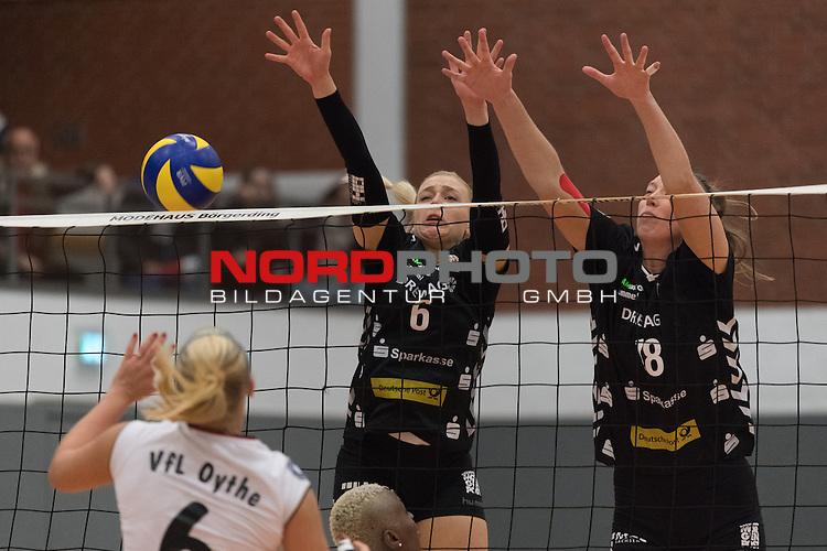 26.10.2016, Vechta, Halle GAV, GER, DVV-Pokal-Achtelfinale, VFL Oythe vs Desdner SC 1898, im Bild<br /> <br /> Sandra Cabanska (VFL Oythe #06)<br /> Lucie Smutn&aacute; (DSC Dresden #06)<br /> Barbora Purchartov&aacute; (DSC Dresden #08)<br /> <br /> Foto &copy; nordphoto / Kokenge