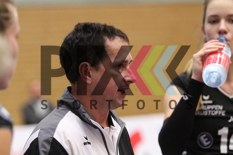 Emlichheims Trainer Michael Lehmann  beim Spiel in der Volleyball  2. Bundesliga Nord Koepenicker SC II Berlin  - SCU Emlichheim .<br /> <br /> Foto &copy; PIX-Sportfotos *** Foto ist honorarpflichtig! *** Auf Anfrage in hoeherer Qualitaet/Aufloesung. Belegexemplar erbeten. Veroeffentlichung ausschliesslich fuer journalistisch-publizistische Zwecke. For editorial use only.