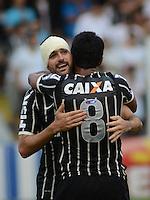Santos SP, 19 maio 2013 - SANTOS X CORINTHIANS  Danilo comemora gol  durante partida da final do campeonato paulista de 2013  no Estadio da Vila Belmiro em Santos, Litoral de  de Sao Paulo, neste domingo , 19. (FOTO: ALAN MORICI / BRAZIL PHOTO PRESS).