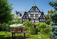 Deutschland, Rheinland-Pfalz, Moseltal, Kroev: Weingut Dreigiebelhaus | Germany, Rhineland-Palatinate, Moselle Valley, Kroev: winery Dreigiebelhaus (three-gables-house)