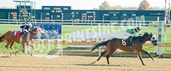 Skip to the North winning at Delaware Park on 10/22/12