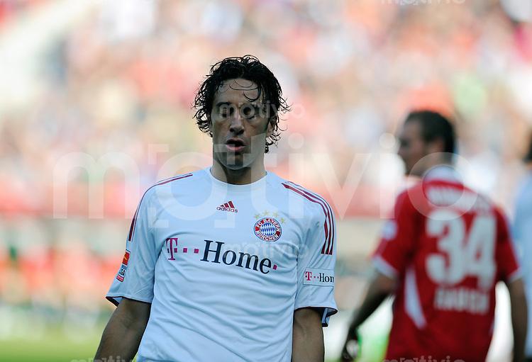 FUSSBALL   1. BUNDESLIGA   SAISON 2008/2009   6. SPIELTAG Hannover 96  - Bayern Muenchen     27.09.2008 Luca TONI (Muenchen) enttaeuscht nach vergebener Torchance.
