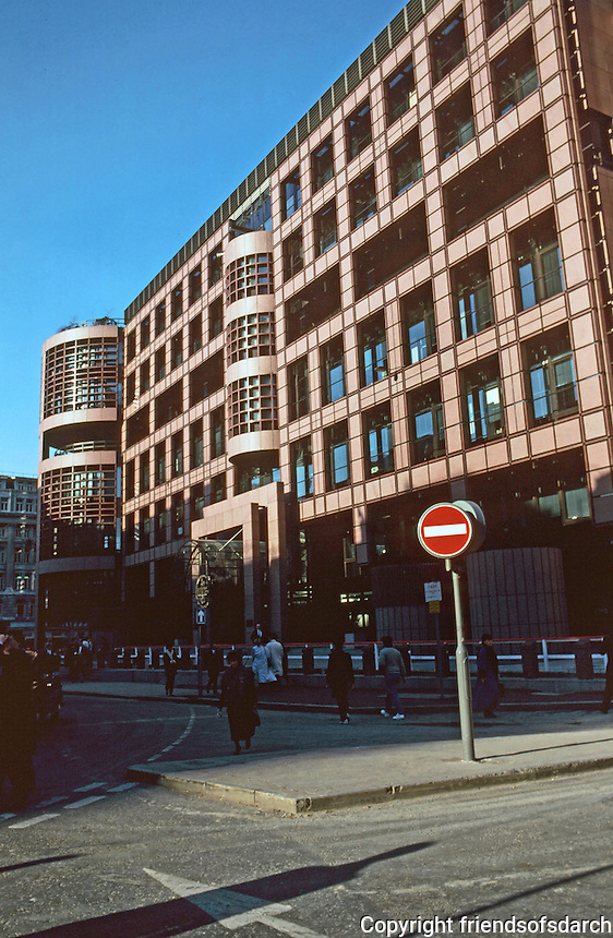 London:  Broadgate Development--north side of Liverpool St.  SOM & ARUP Assoc.  Photo '90.