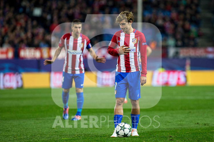 Atletico de Madrid's Antoine Griezmann during the match of UEFA Champions League between Atletico de Madrid and FC Rostov, at Vicente Calderon Stadium,  Madrid, Spain. November 01, 2016. (ALTERPHOTOS/Rodrigo Jimenez)