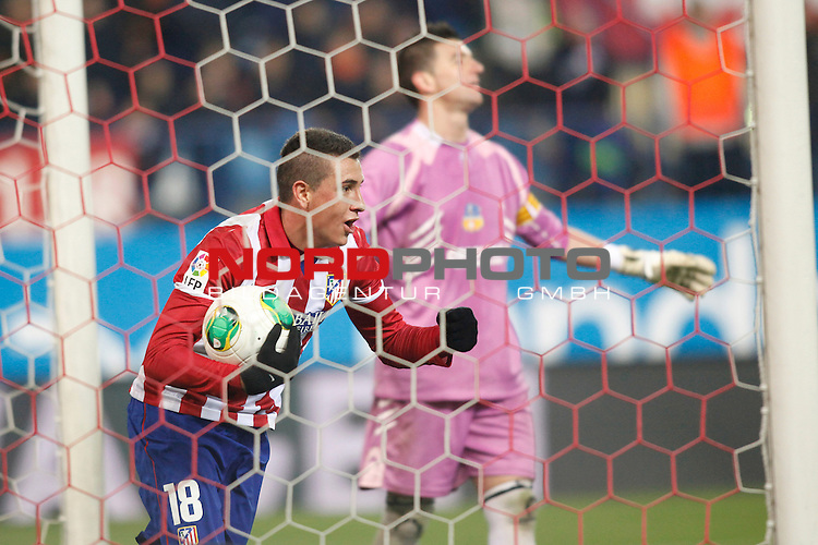 Atletico de Madrid¬¥s Gimenez (L) celebrates a goal and Saint Andreu¬¥s  during Copa del Rey 2013-14 match at Vicente Calderon Stadium in Madrid, Spain. Foto © nordphoto / Victor Blanco) *** Local Caption ***