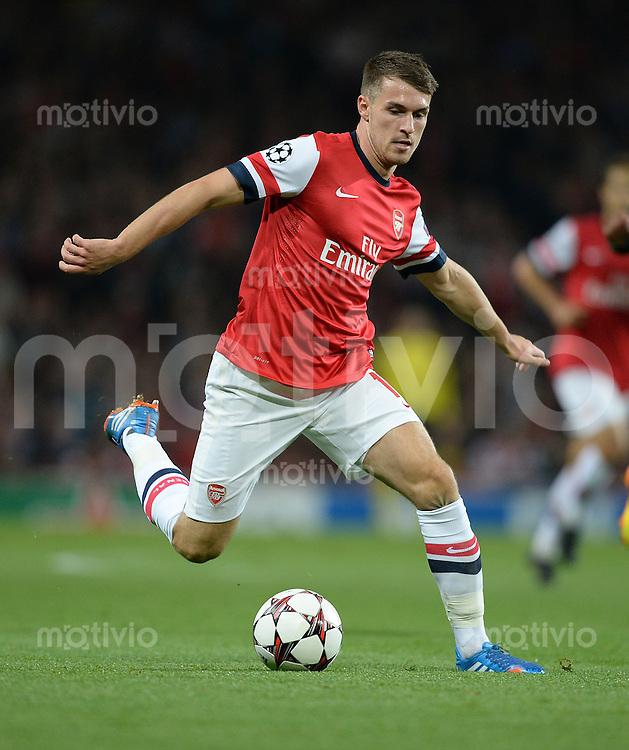 FUSSBALL   CHAMPIONS LEAGUE   VORRUNDE     SAISON 2013/2014    Arsenal London - SSC Neapel   01.10.2013 Aaron Ramsey (Arsenal) Einzelaktion am Ball