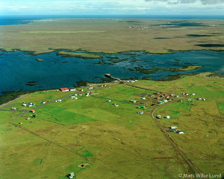 Hafnir séð til norðurs, Reykjanesbær áður Hafnahreppur Keflavíkurflugvöllur í baksýni / Hafnir viewing north, Reykjanesbaer former Hafnahreppur. Keflavik airport in background.