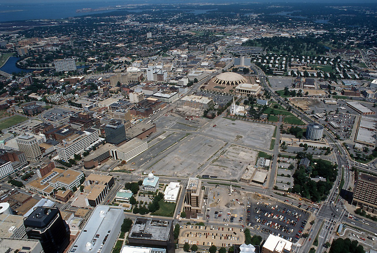 1996 August 15..Redevelopment..Macarthur Center.Downtown North (R-8)..LOOKING NORTH...NEG#.NRHA#..