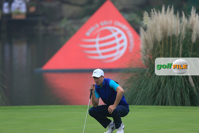 Ross Fisher (ENG) on the 18th green during Round 4 of the WGC HSBC Champions at the Sheshan International Golf Club in Sheshan, Shanghai, China on Sunday 13/09/15.<br /> Picture: Thos Caffrey   Golffile