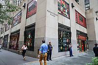 NOVA YORK, EUA, 11.09.2018 - FAO-SCHWARZ - A FAO Schwarz conhecida como a loja de brinquedos mais antiga da América, tendo aberto suas portas em 1862 e fechou as portas em 2015 devido alto valor dos alugueis anuncia abertura da loja em novo endereço em Nova York ao lado da Arvore de Natal no Rockefeller Center numero 30. A data exata a loja não informou mais a expectativa que seja inicio de outono de 2018. (Foto: Vanessa Carvalho/Brazil Photo Press)