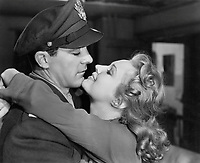 The Best Years of Our Lives (1946) <br /> Dana Andrews &amp; Virginia Mayo<br /> *Filmstill - Editorial Use Only*<br /> CAP/MFS<br /> Image supplied by Capital Pictures