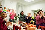Repas de noel réunissant les bénévoles et les résidents de l'association habitats et humanisme de la structure de Versailles.
