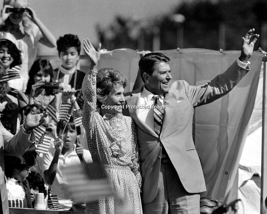 Ronald and Nancy Reagan campaigning 1979. (photo by Ron Riesterer)