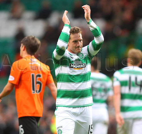 25.10.2015. Glasgow, Scotland. Scottish Premier League. Celtic versus Dundee United. Kris Commons applauds the fans after his goal