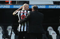 Newcastle United manager Rafa Benítez puts his arm around Jonjo Shelvey of Newcastle United during Newcastle United vs Arsenal, Premier League Football at St. James' Park on 15th April 2018