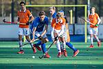 BLOEMENDAAL  -Hidde Wunderink met Tom Verheijen (Kampong)  , competitiewedstrijd junioren  landelijk  Bloemendaal JB1-Kampong JB1 (4-3) . COPYRIGHT KOEN SUYK