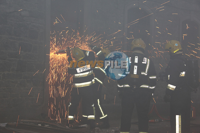 Drogheda fire service spent three hours tackeling a blase in the former Newports diy in Greenhills..Photo: Fran Caffrey/www.newsfile.ie..