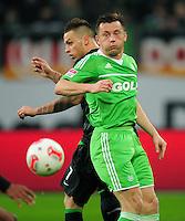 FUSSBALL   1. BUNDESLIGA    SAISON 2012/2013    13. Spieltag   VfL Wolfsburg - SV Werder Bremen                          24.11.2012 Marko Arnautovic (hi, SV Werder Bremen) gegen Ivica Olic (vorn, VfL Wolfsburg)