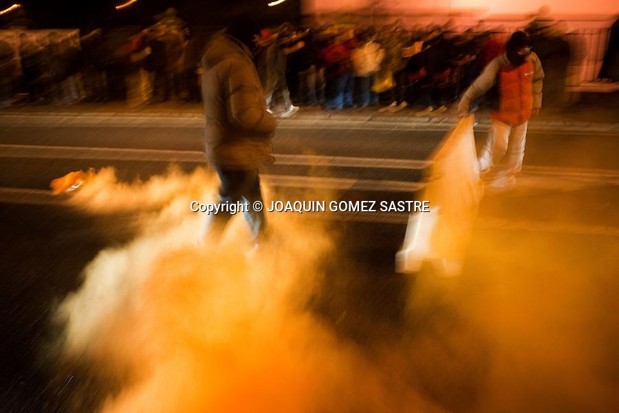 2 FEBRERO 2012 Los trabajadores de TEKA  han echo un paro de 24 horas  delante de la fabrica..foto © JOAQUIN GOMEZ SASTRE