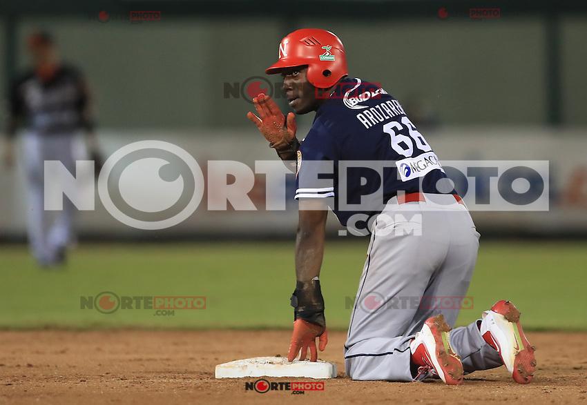 Randy Arozarena llega safe a segunda base,  durante partido 2 de beisbol entre Naranjeros de Hermosillo vs Mayos de Navojoa. Temporada 2016 2017 de la Liga Mexicana del Pacifico.<br /> &copy; Foto: LuisGutierrez/NORTEPHOTO.COM