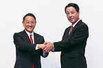 (L to R) Toyota Motor Corporation President Akio Toyoda and Mazda Motor Corporation President and CEO Masamichi Kogai, shake hands during a news conference at the Royal Park Hotel Tokyo on August 4, 2017, Tokyo, Japan. Toyoda and Kogai announced an alliance between the car makers; whereby they will invest in each other and plan to build a joint auto factory in the U.S. and cooperate in new technologies for electric vehicles.(Photo by Rodrigo Reyes Marin/AFLO)
