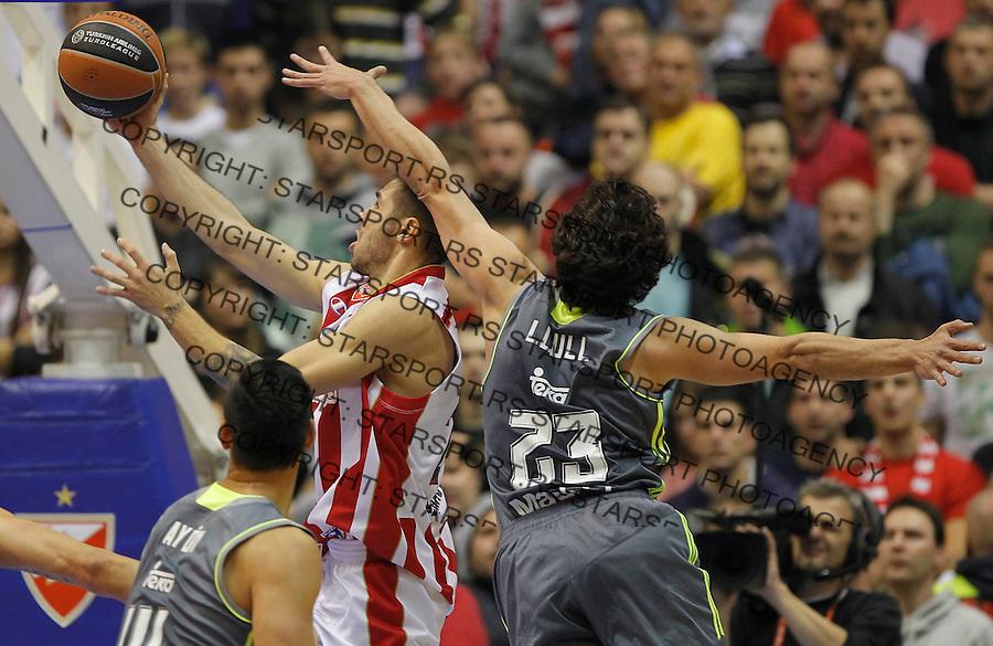 Kosarka Euroleague season 2015-2016<br /> Euroleague <br /> Crvena Zvezda v Real Madrid<br /> Stefan Jovic and Sergio Llull (R)<br /> Beograd, 27.11.2015.<br /> foto: Srdjan Stevanovic/Starsportphoto &copy;