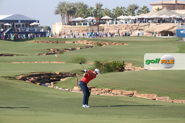 Bernd Wiesberger (AUT) in action at the last during Round Two of the DP World Tour Championship 2016, played at the Jumeirah Golf Estates, Dubai, United Arab Emirates. 18/11/2016. Picture: David Lloyd | Golffile.<br /> <br /> All photo usage must display a mandatory copyright credit as: &copy; Golffile &amp; David Lloyd.