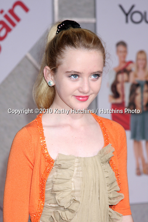 """LOS ANGELES - SEP 22:  Kathryn Newton arrives at the """"You Again"""" World Premiere at El Capitan Theater on September 22, 2010 in Los Angeles, CA"""